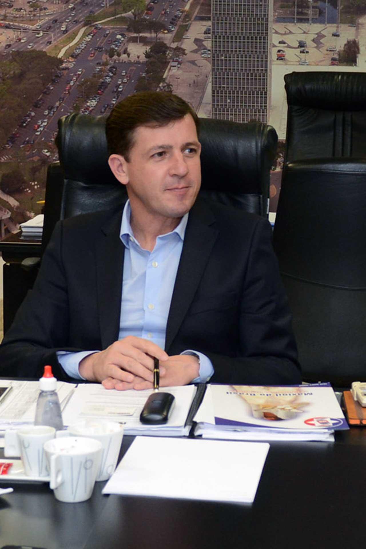Depois de pedido impetrado pelo chefe do Executivo de São Bernardo, Justiça exclui municípios de São Paulo da obrigatoriedade de elevar o teto salarial dos servidores