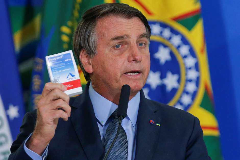 Por diversas vezes durante a pandemia, Bolsonaro incentivou o uso de medicamentos sem eficácia comprovada contra covid-19