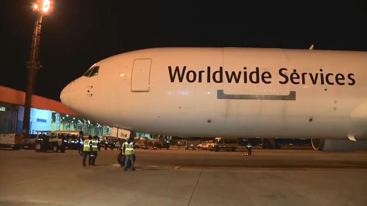 Chegada do primeiro lote da Pfizer no Brasil no aeroporto de Viracopos, em Campinas-sp