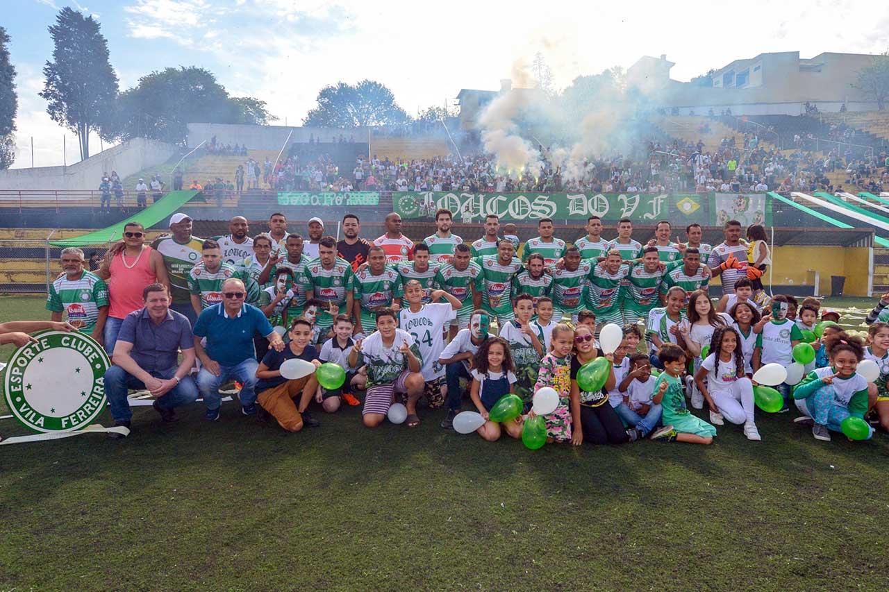 No duelo que contou com a presença do prefeito Orlando Morando, equipe superou o EC Vila Ferreira por 2 a 1, no Estádio do Baetão
