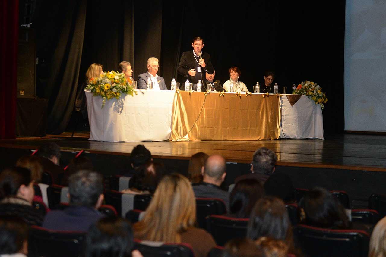 Mês conscientiza sobre o aleitamento materno; prefeito Orlando Morando homenageou as mães doadoras de leite do Hospital Municipal Universitário (HMU)