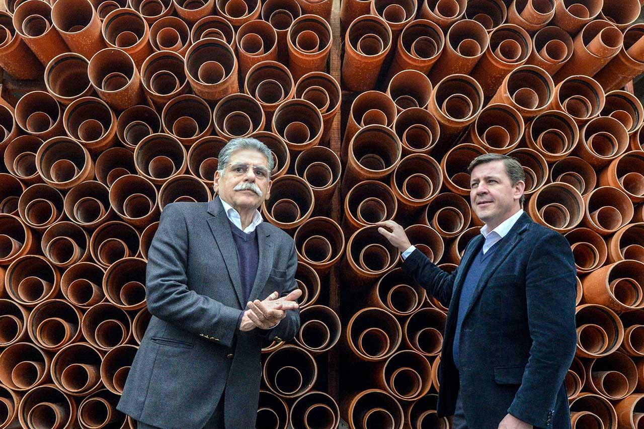 Prefeito Orlando Morando e secretário estadual de Recursos Hídricos, Ricardo Borsari, autorizam iniciativa que irá tratar 100% do esgoto do Grande Alvarenga até 2020
