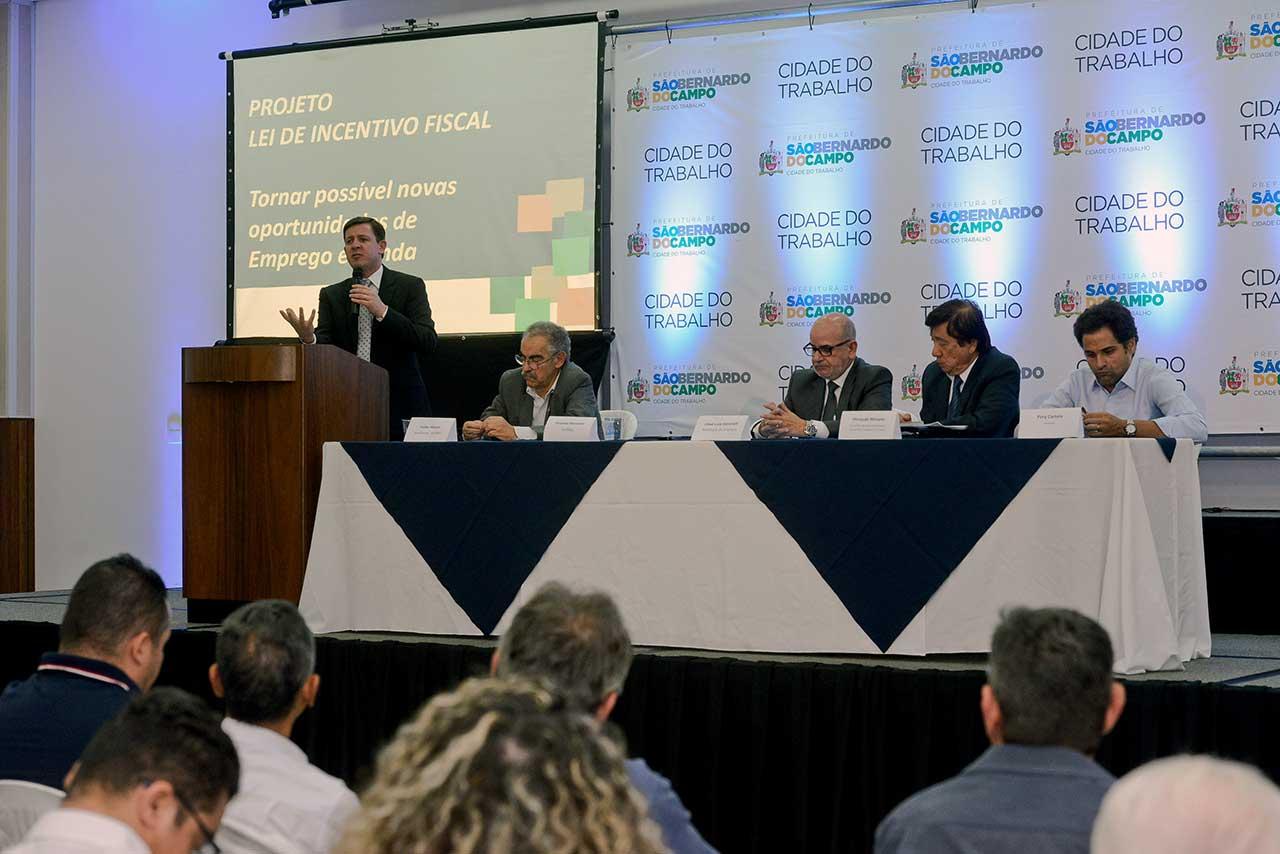 Ação Café com Crédito acontece nesta quarta-feira (20/06) na sede da Acisbec, com série de palestras comandadas por representantes do BNDES