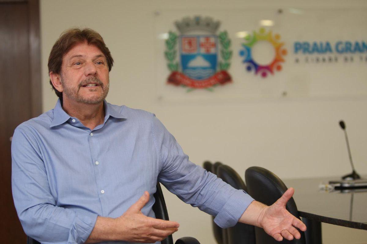 Alberto Mourão, PSDB, foi reeleito novamente para dirigir a cidade de Praia Grande