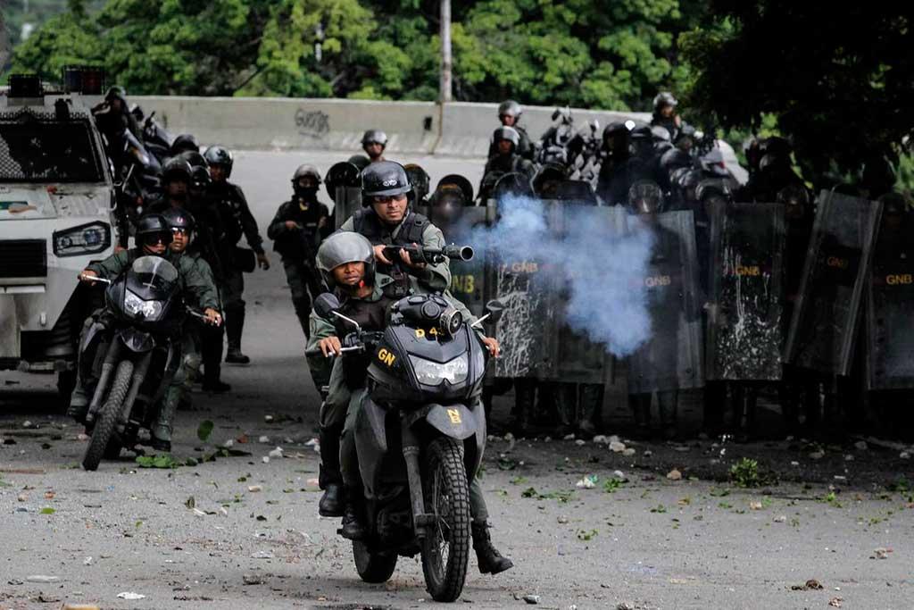 Disparo indiscriminado de forças de segurança contra a população é sempre ilegal, aponta o relatório