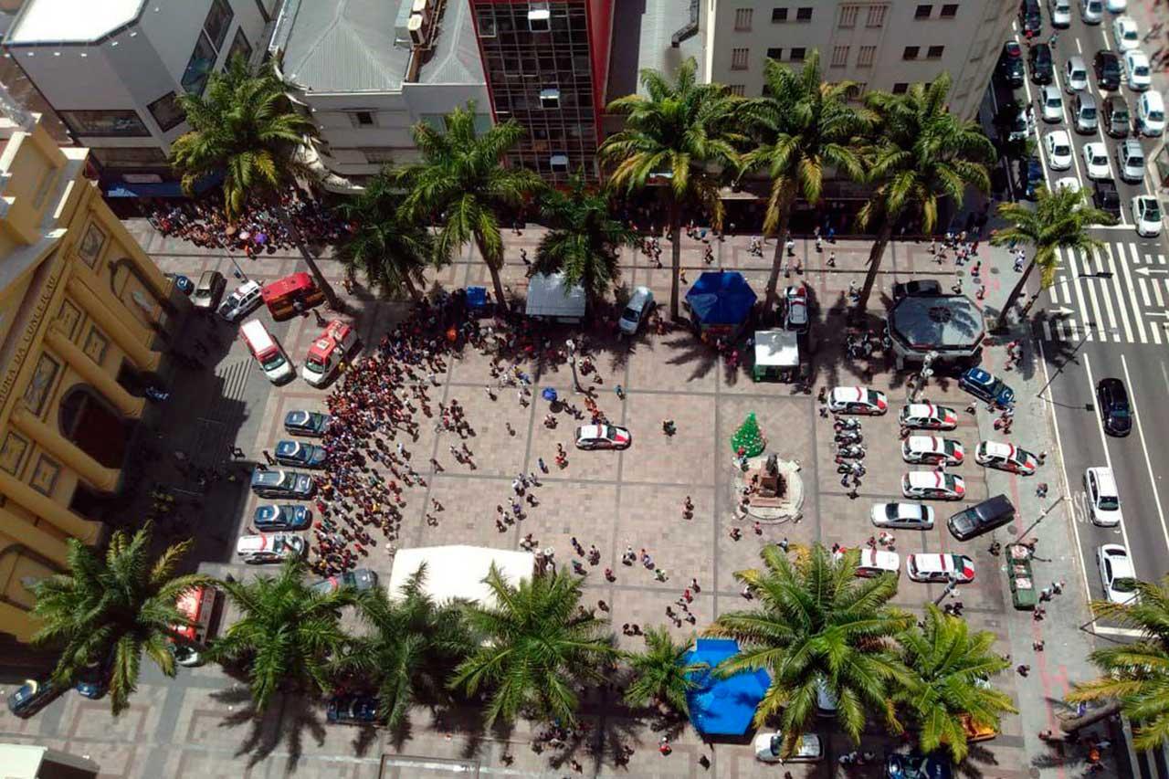 Atirador mata quatro pessoas na Catedral de Campinas e se suicida