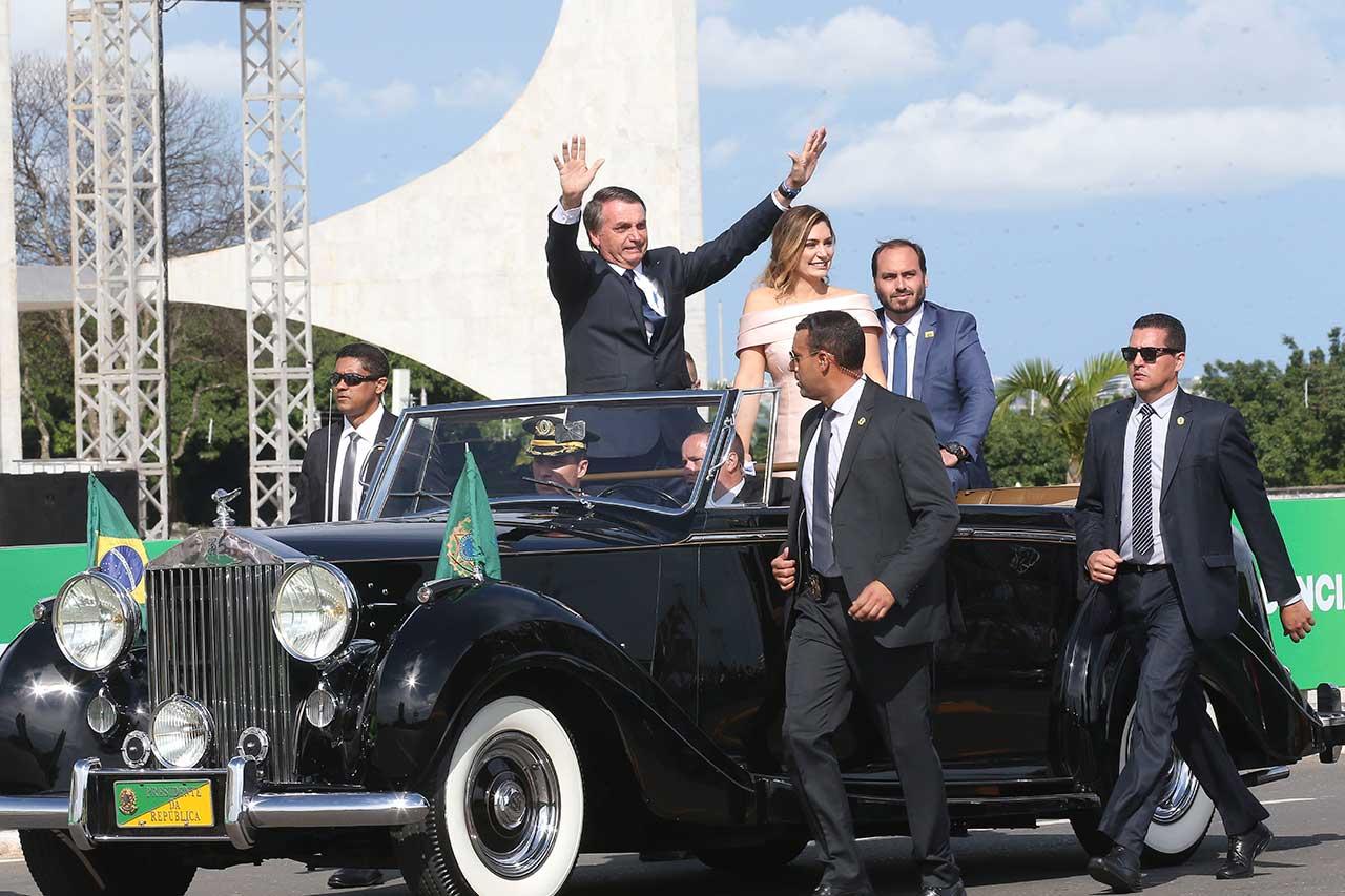 Bolsonaro e Michelle chegam ao Palácio do Planalto para a transmissão da faixa presidencial
