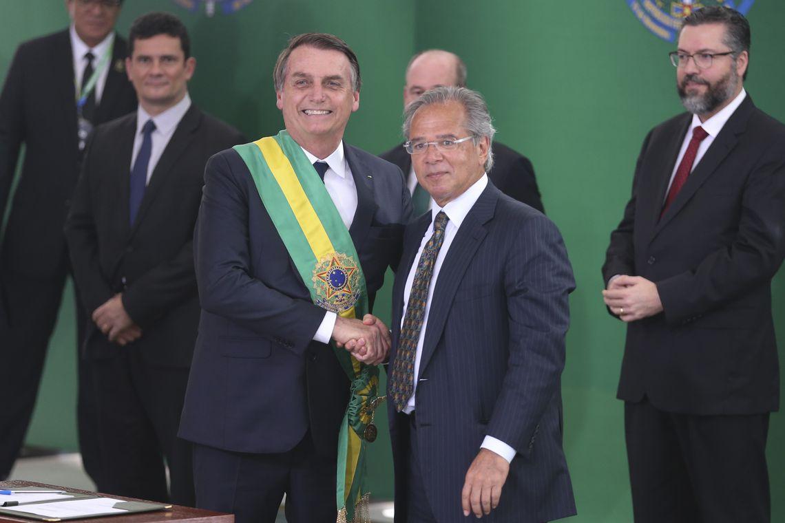 Bolsonaro dá posse a Paulo Guedes, ministro da economia