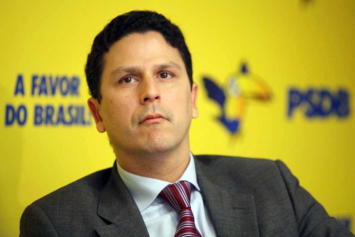 Bruno Araújo, PSDB, deixa o cargo de ministro das Cidades