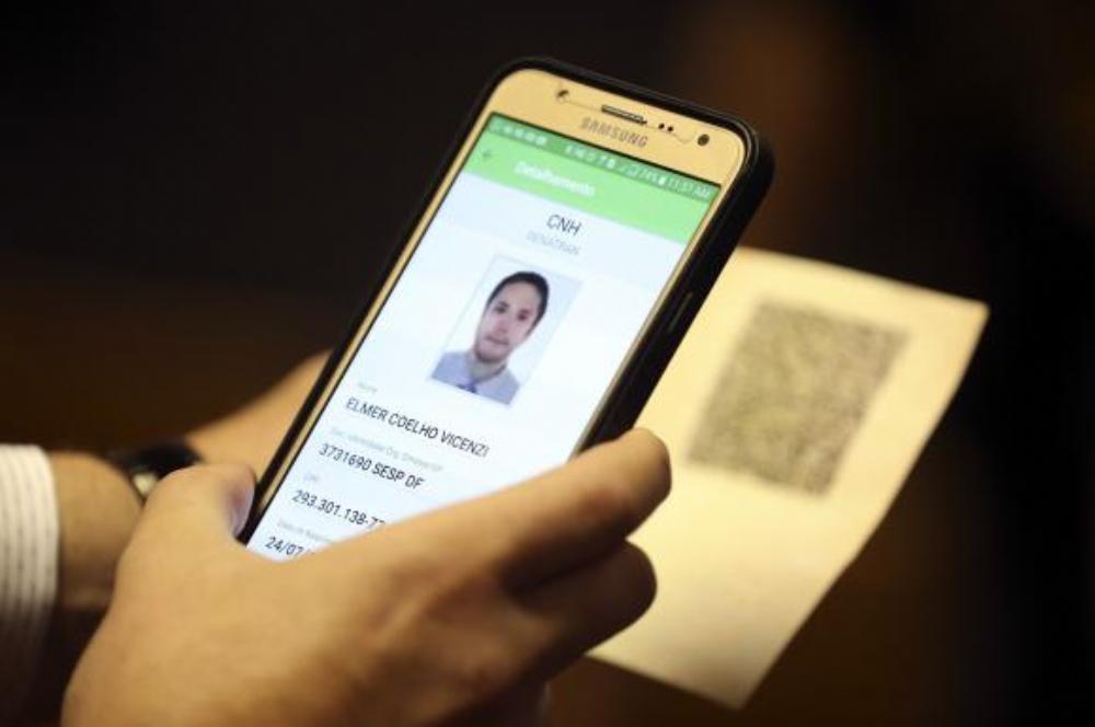 Contra fraude, a nova Carteira de Habilitação com o QR Code foi divulgada pelo Ministério das Cidades e pelo Departamento Nacional de Trânsito