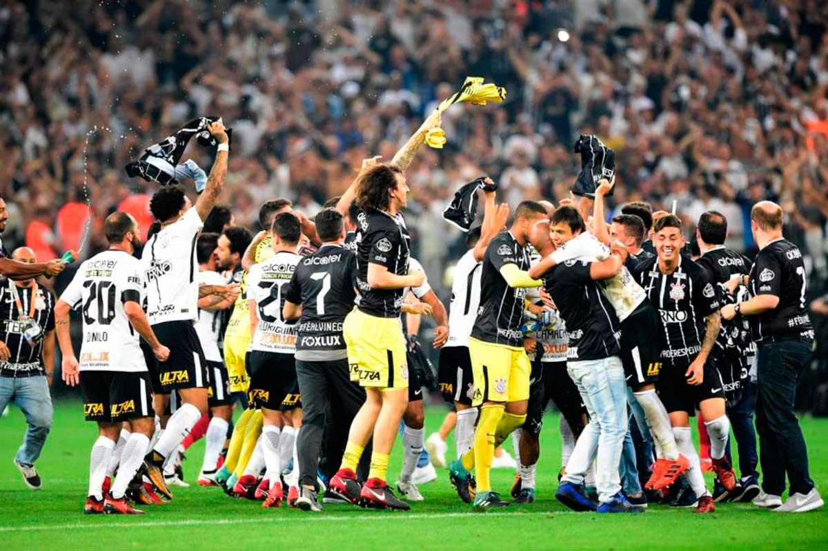 Corinthians vence o Fluminense e é Heptacampeão por antecipação