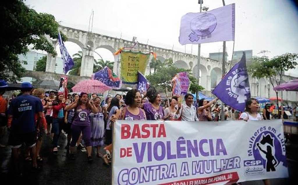 A medida foi votada simbolicamente na Casa e anunciada como positiva, mas integrantes do Ministério Público, Defensores Públicos Gerais e organizações feministas criticam as mudançasa