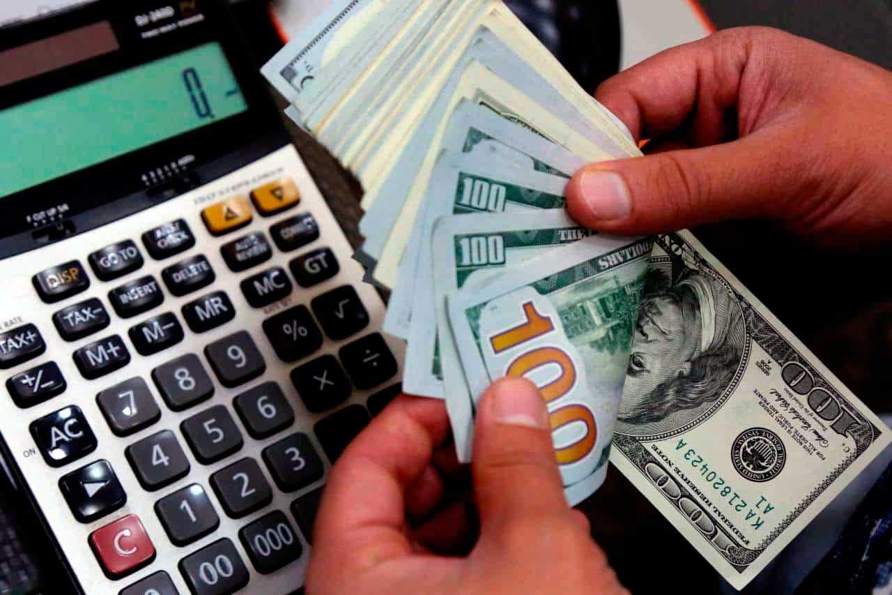 Dólar comercial fechou com desvalorização de 0,89%, a R$ 3,6823