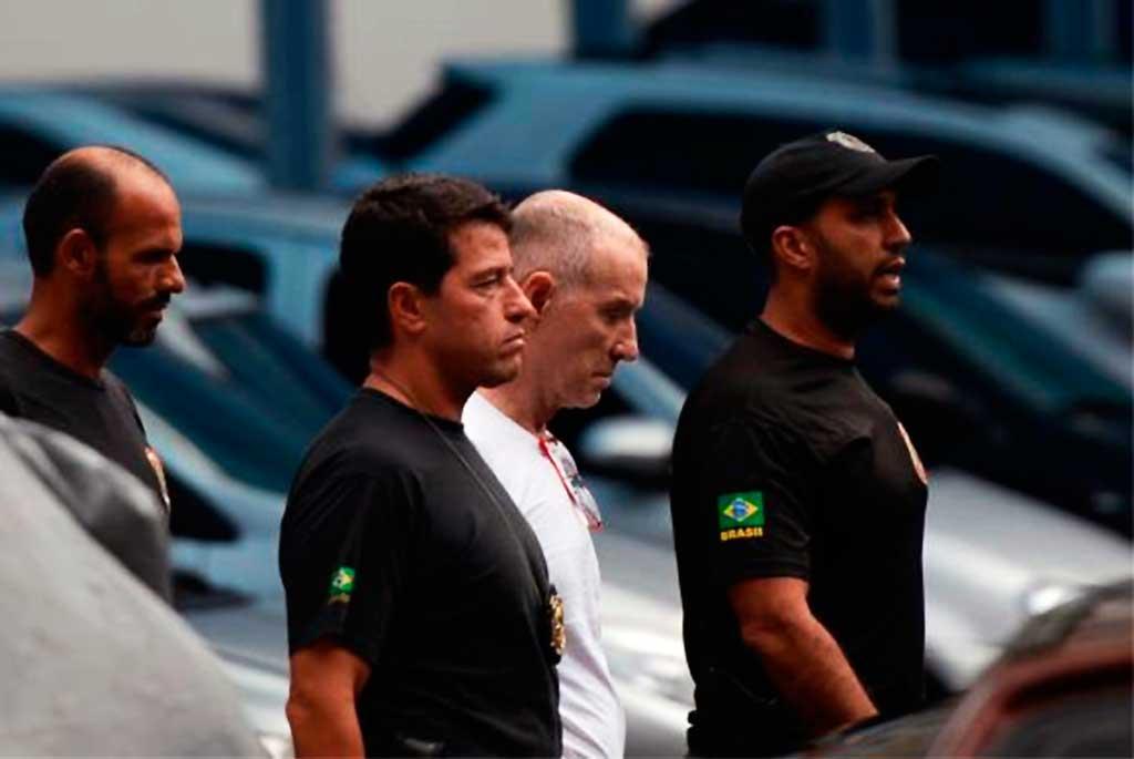 Empresário Eike Batista deixa a sede da PF, na região portuária do Rio, após depoimento na Delegacia de Combate ao Crime Organizado e Desvio de Recursos