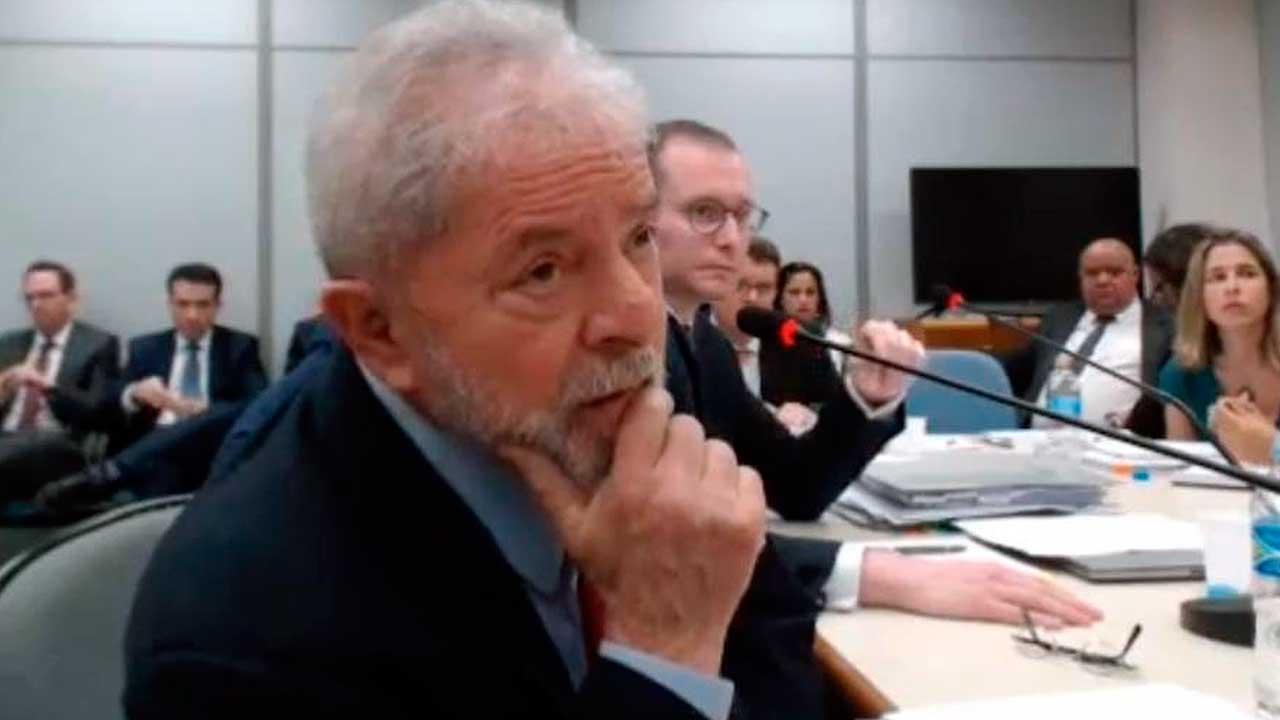 Lula em depoimento à juíza federal Gabriela Hardt que emitiu a sentença