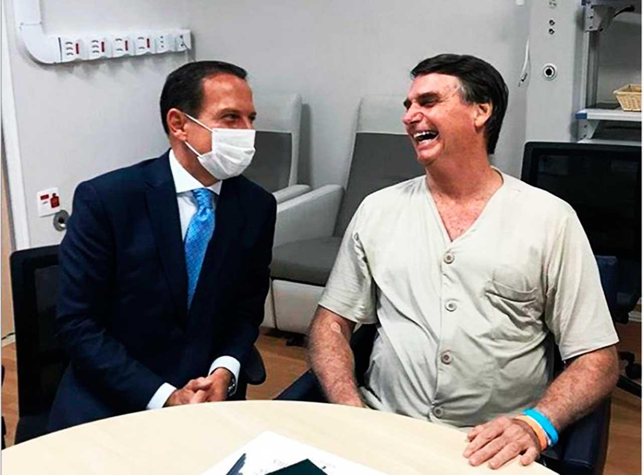 Doria visita Bolsonaro e diz que ele deve deixar hospital esta semana