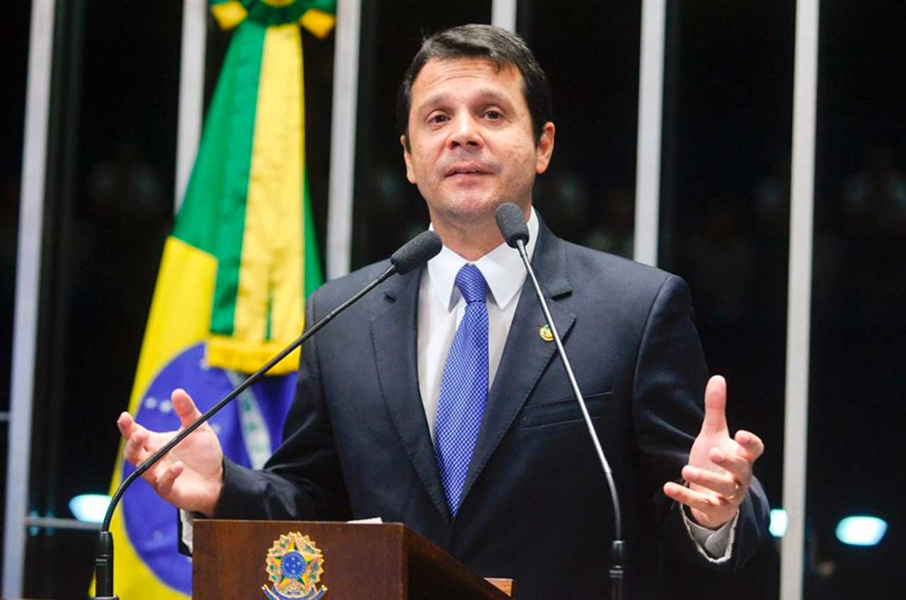 Senador José Reguffe (sem partido-DF)