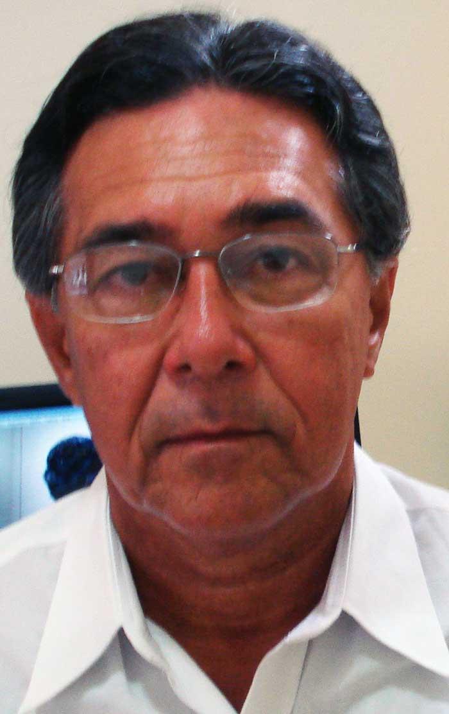 Júlio César Cardoso - Bacharel em Direito e servidor  federal aposentado, Balneário Camboriú-SC