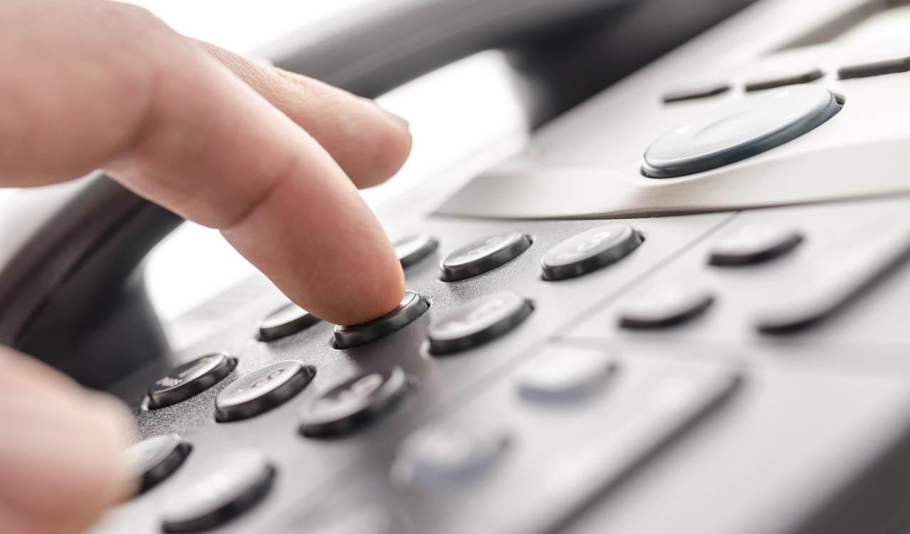 Entre as prestadoras, em todo o país, a Oi apresentou a maior queda no total de linhas de telefonia fixa, com 713,27 mil a menos nos últimos 12 meses, seguida da Vivo, com menos 378,38 mil linhas