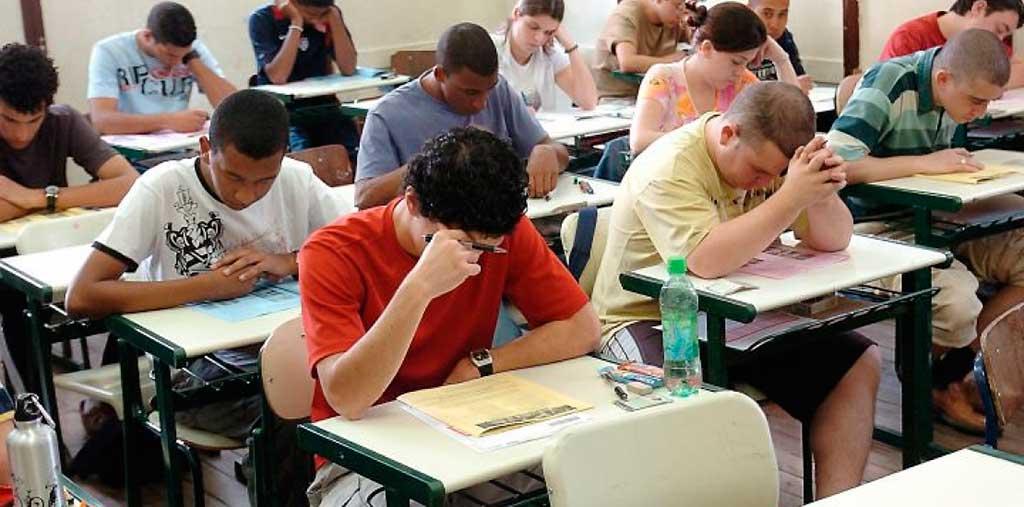 O Exame Nacional do Ensino Médio (Enem) terá pelo menos 6.135.418 candidatos em 2017