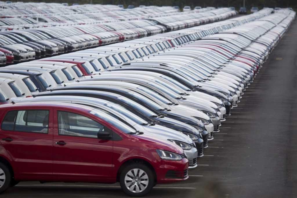 Em agosto, 305.221 veículos novos foram comercializados