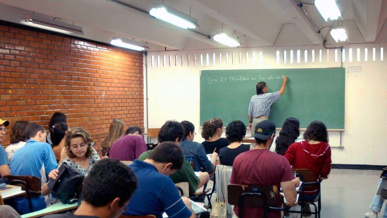 A coleta de dados sobre o ensino superior, feita pela internet, vai até 24 de abril