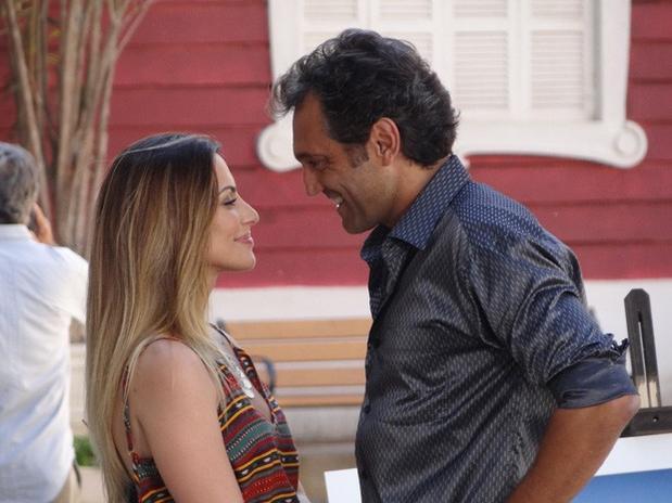 Cleo Pires e Domingos Montagner vivem par romântico em Salve Jorge