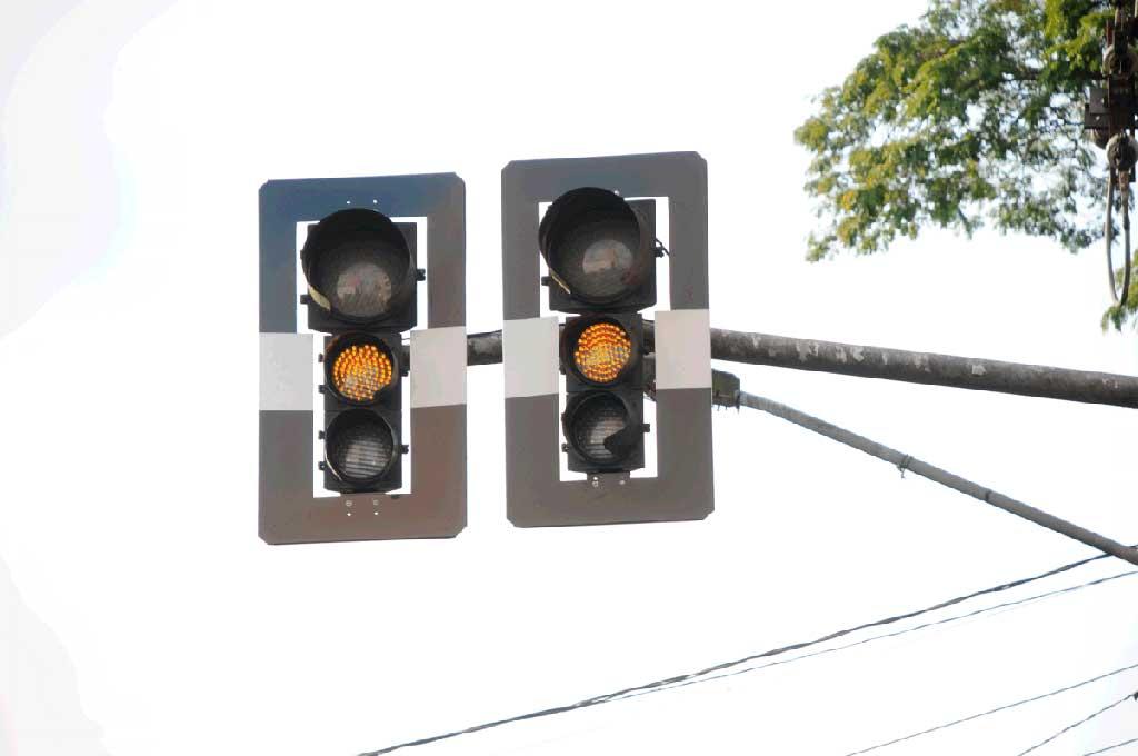 Substituição de 4.547 lâmpadas incandescentes por lâmpadas de LED em semáforos de São Bernardo do Campo