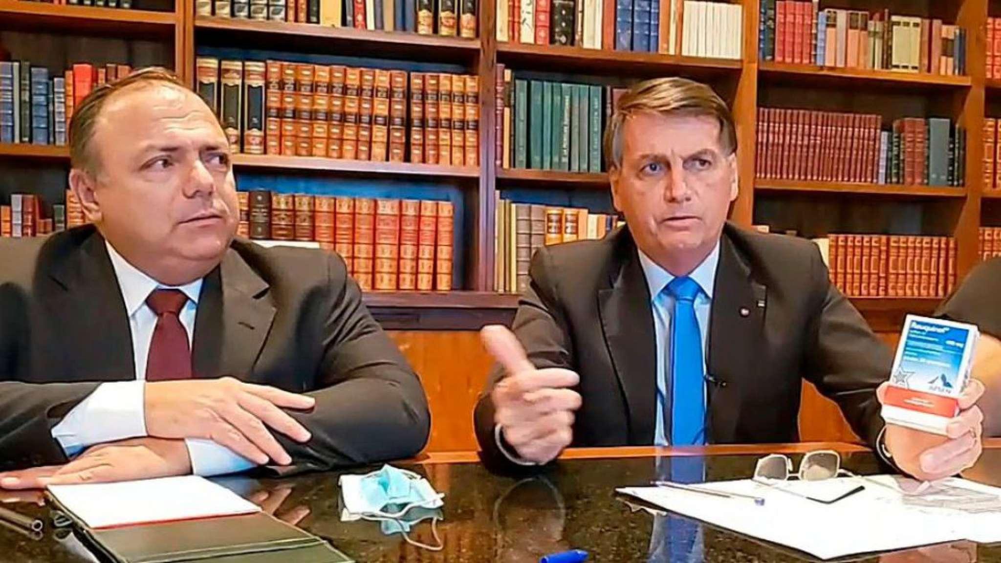 Em video, ao lado de Pazuello, Bolsonaro indica produto para tratamento precoce