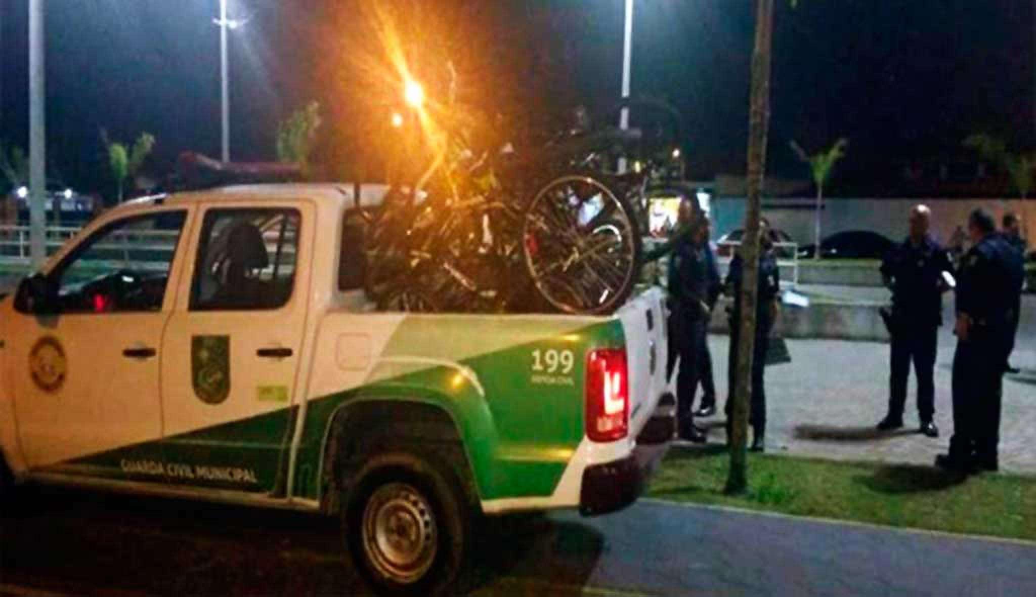 Bicicletas são apreendidas em Praia Grande por cicular sem nota fiscal ou registro na prefeitura