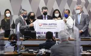 CPI da COVID realiza audiência pública destinada a ouvir o depoimento de vítimas diretas e indiretas atingidas pelo vírus