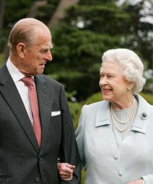 O duque de Edimburgo esteve ao lado da rainha por mais de seis décadas de reinado, tornando-se o consorte mais antigo da história britânica em 2009
