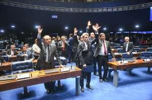 Plenário: senador Ataídes Oliveira (PSDB-TO); senador José Agripino (DEM-RN); senador Paulo Rocha (PT-PA); senador Ricardo Ferraço (PSDB-ES); senador Romero Jucá (MDB-RR); sessão deliberativa ordinária; votação; senador Ataídes Oliveira (PSDB); senador Ricardo Ferraço (PSDB)
