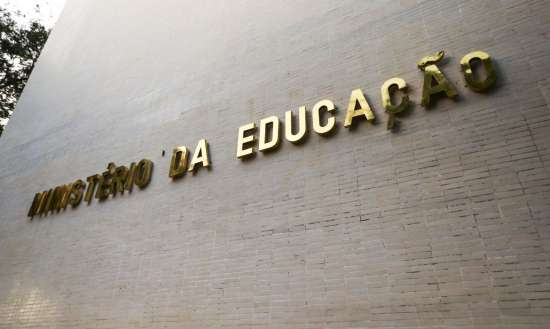 O painel lista ainda as ações de enfrentamento da pandemia e o envolvimento das instituições federais de ensino no processo