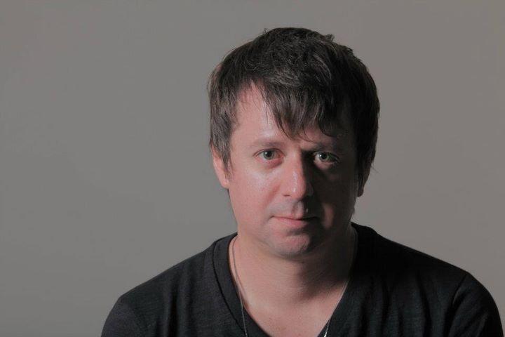 O DJ brasileiro e produtor de House Music, Tiko's Groove, fará no dia 28 show no Guarujá, litoral de SP.
