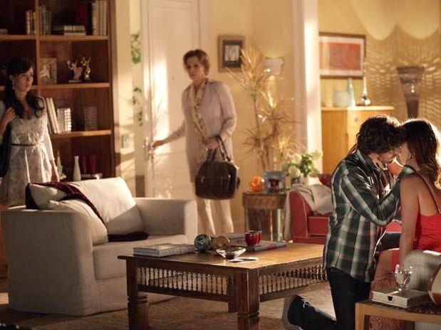 Rodrigo e Ana se rendem ao que sentem